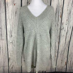 Banana Republic V Neck Tunic Sweater Size M